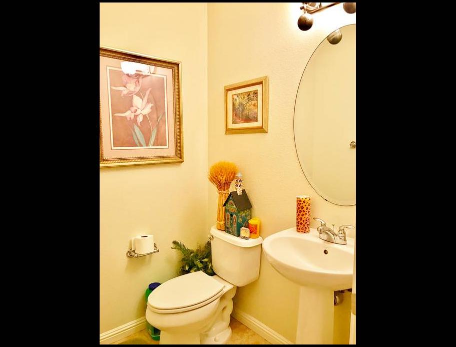Airbnb near Scoliosis Care Centers Bathroom 2